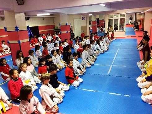 tavsanli-karate-okulu-spor-kulubunde-egi