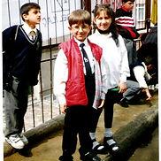 Mustafa, ablasıyla okulda