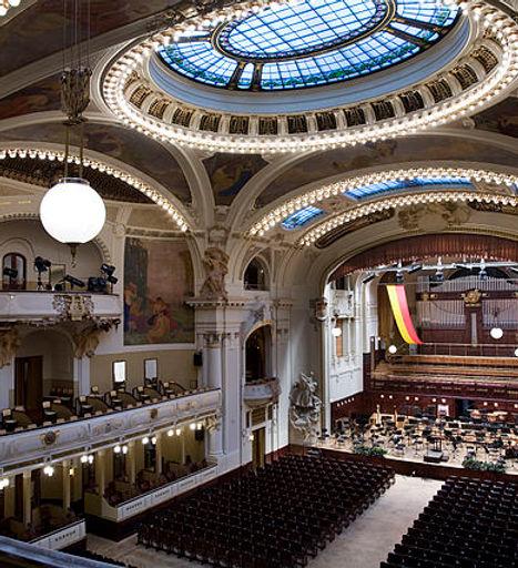 640px-Smetana_Hall_at_the_Municipal_Hous