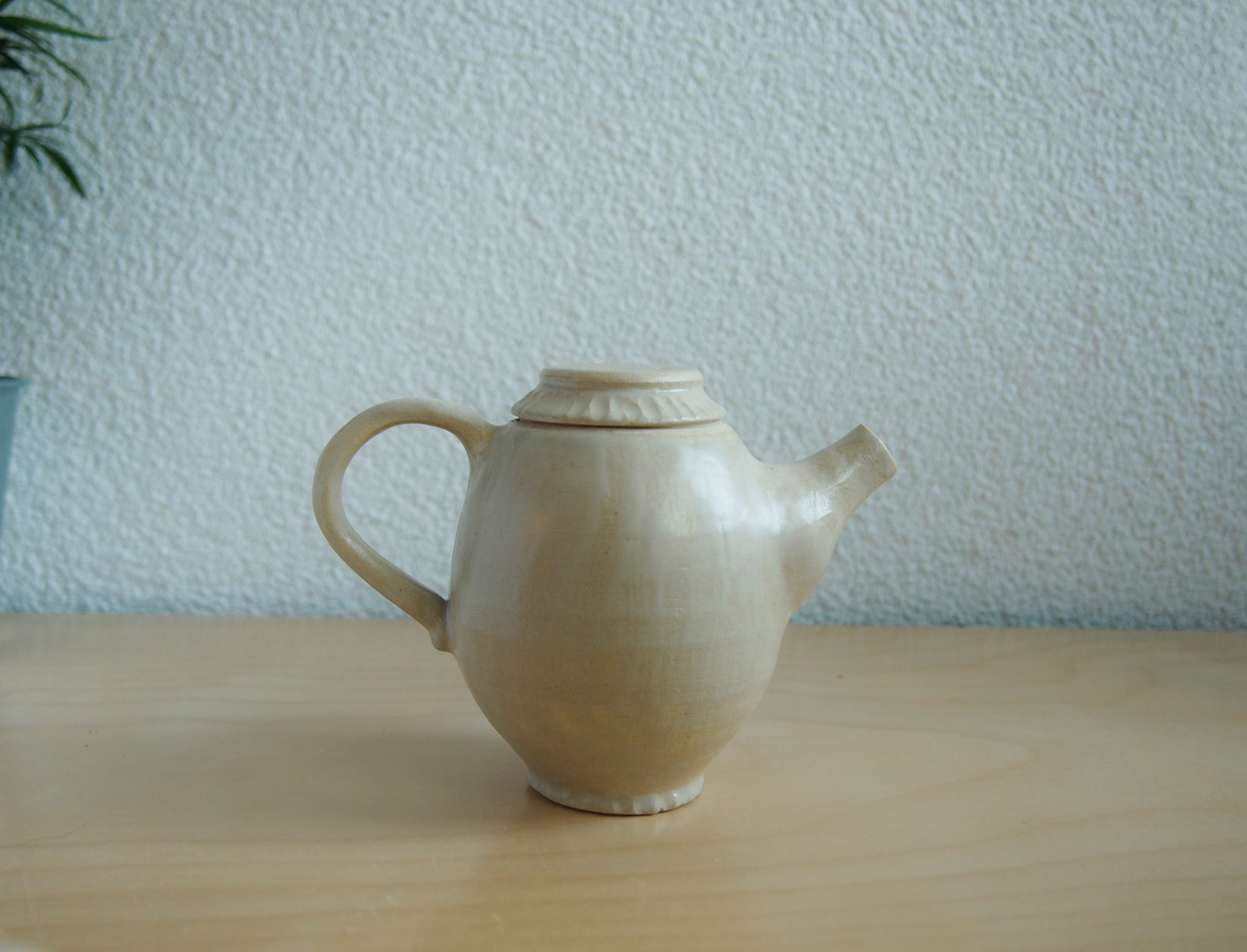tea pot (white clay)