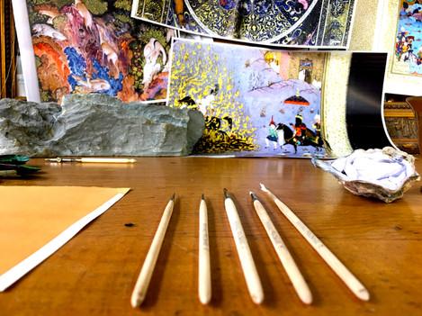 Desk landscape with brushes