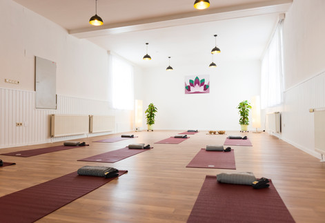 Yoga Studio mit Yoga Matten