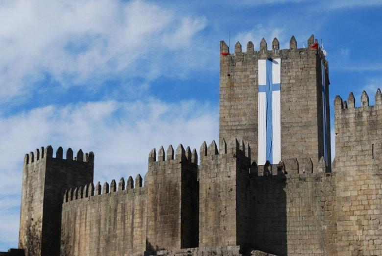 castelo_guimaraes.jpg