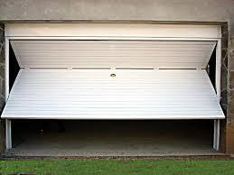 Puerta basculante  color blanca