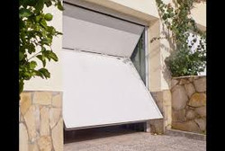 Puerta basculante  chapa perfil puerta