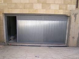 perfil puerta vertical y salidida de humos