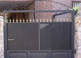 Puerta batiente de una hoja con perf