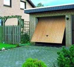 Puerta basculante una hoja color madera