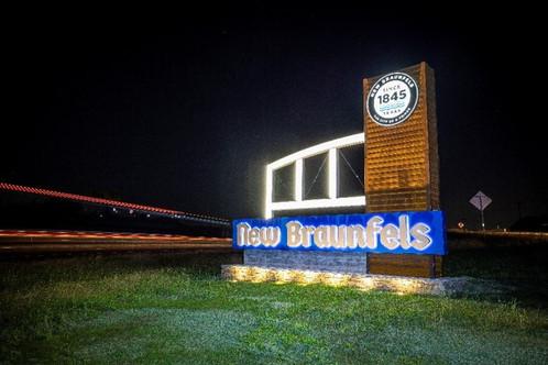 New Braunfels Signage