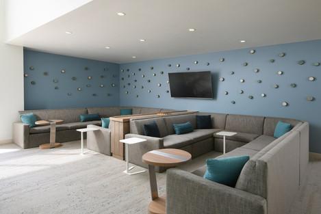 auseo-lobby-lounge-8774-hor-clsc.jpg