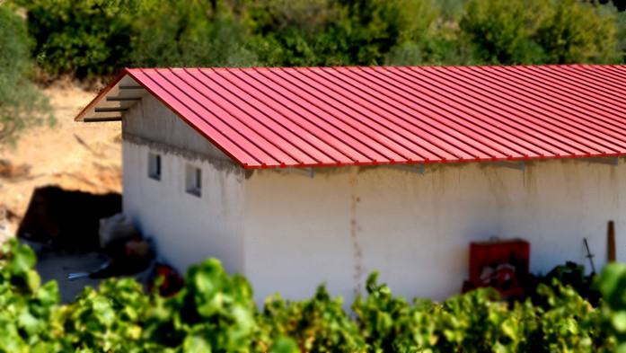 Μεταλλική σκεπή με οροφή πάνελ