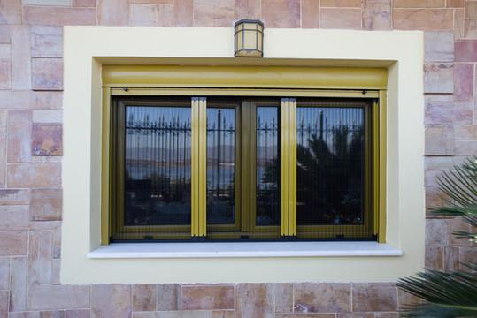 Επάλληλο παράθυρο (τζάμι, σίτα plisse, ηλεκτρικό ρολό)