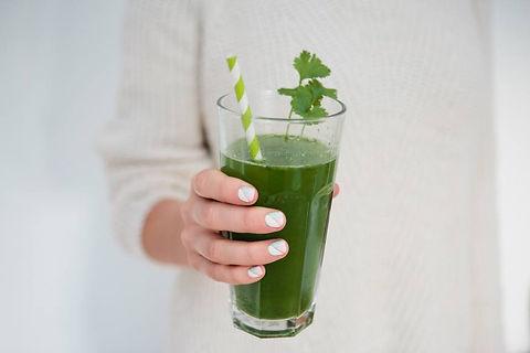 GettyImages-Detox-Green-Vegetable-Juice-