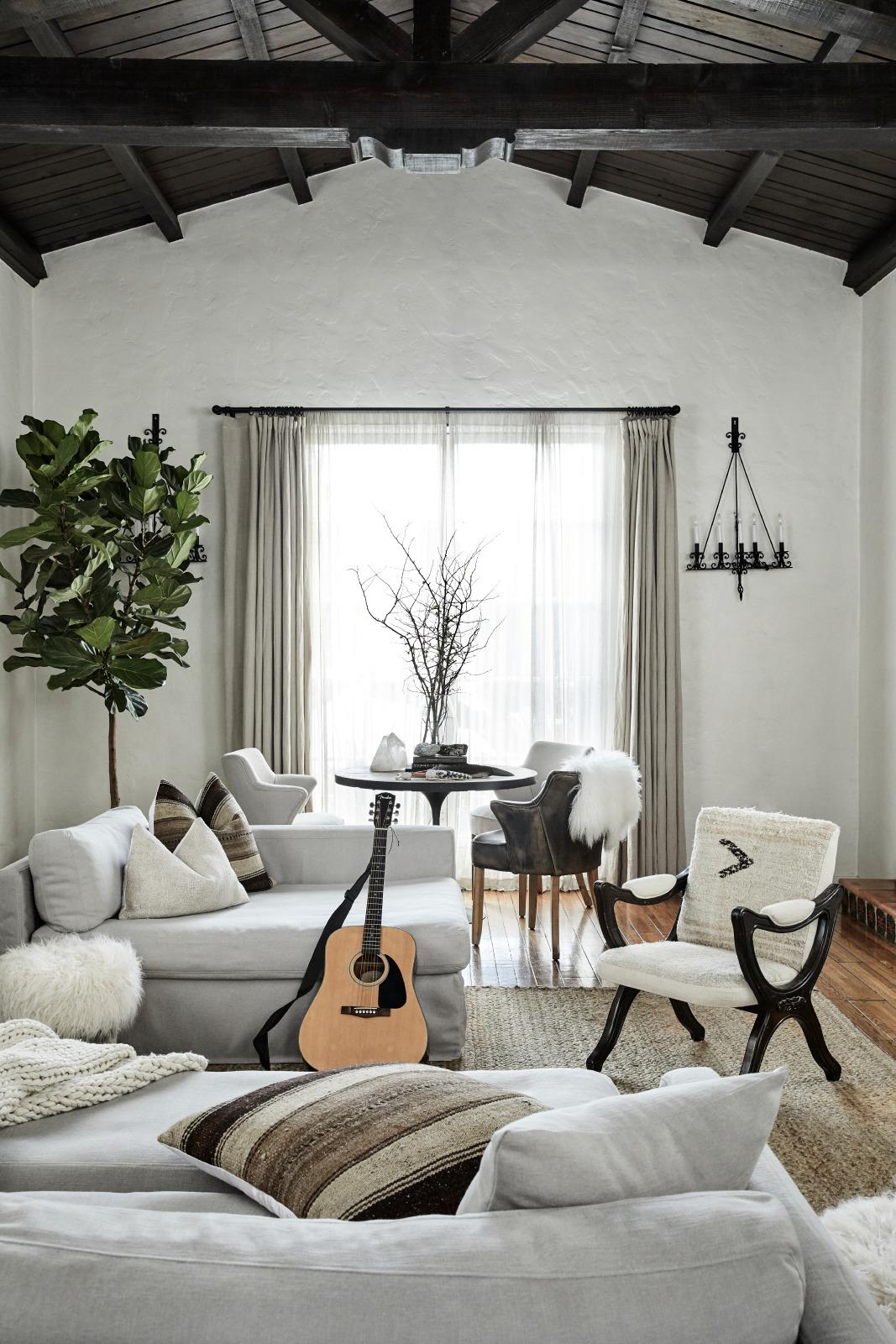 Van Der Beek's Call Cool Home
