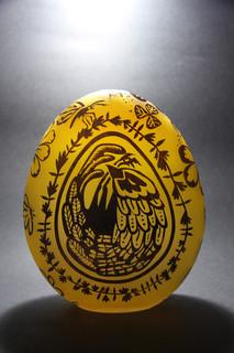 16 - Egg sculpture