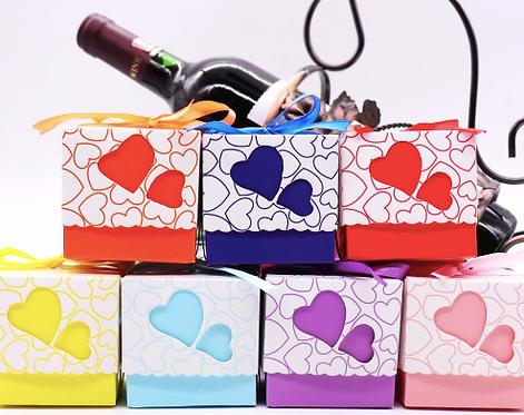 Lot de 50 boites a dragees colorees - mariage