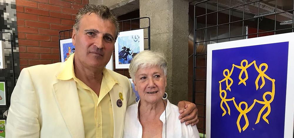 Carles Serra, responsable de la secció, amb Pia Vilarrubias, autora del cartell