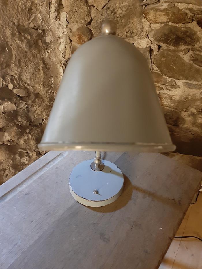 Lampe de bureau gris