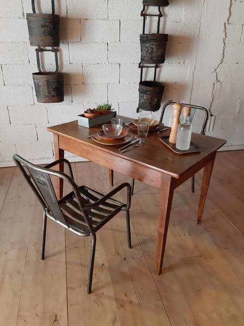 Table bistrot en noyer