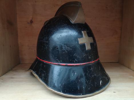Ancien casque de pompier