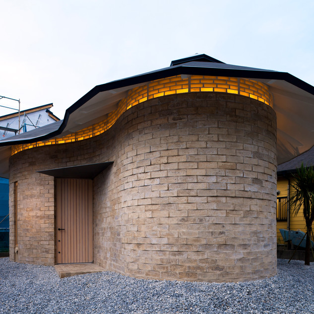 EARTH BRICKS HOUSE - ATELIER TEKUTO