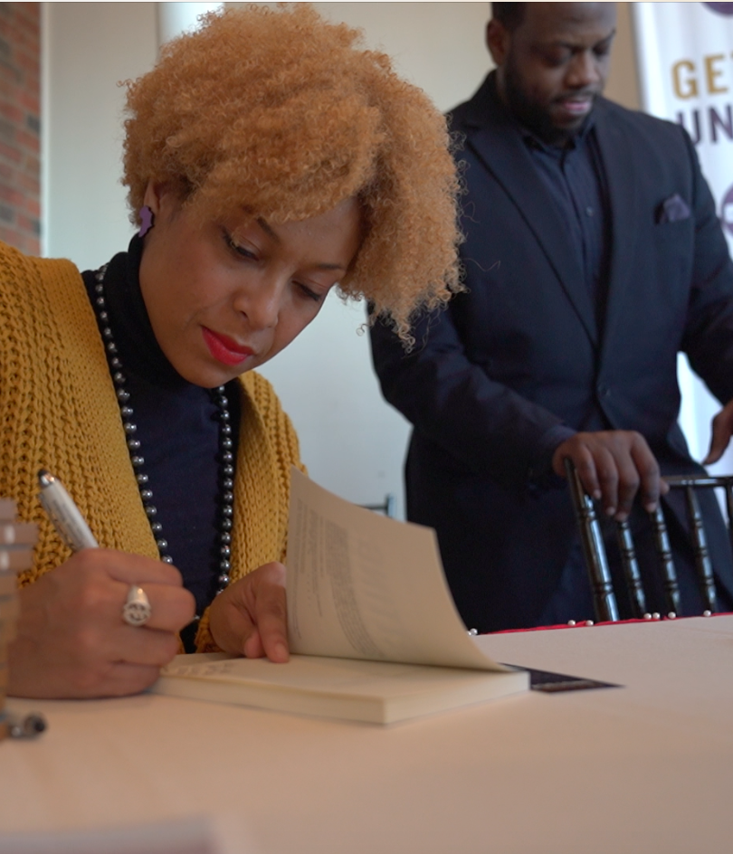 Meredith travels to sign books and meet her tribe in corporate America at events.