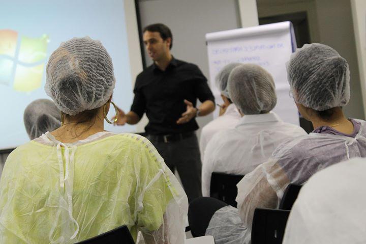 Contrate o Prof. Lucas Portilho