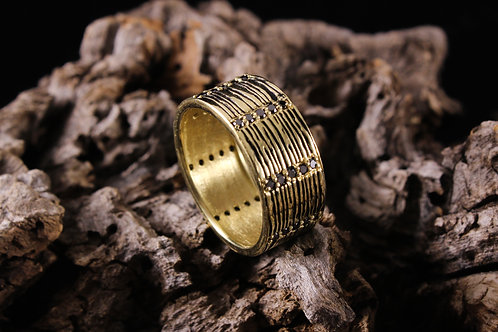 Wood Grain Ring with Black Diamonds