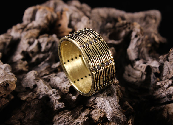 Wood Grain Ring with Black Diamonds