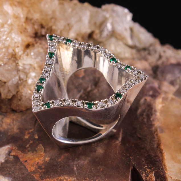 Triangle Wave Ring