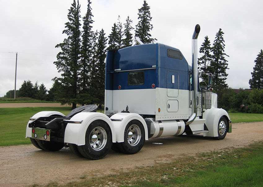 pre-emission-used-semi-truck-23.jpg