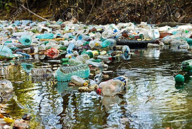 11127969-water-pollution--Stock-Photo-pl