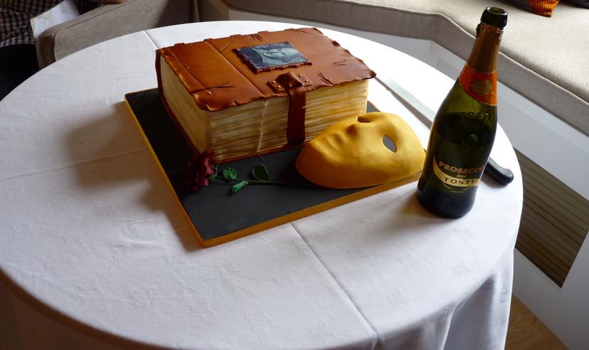 2018's Shakespeare Birthday Cake