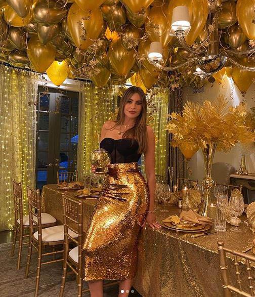 Sofia Vergara in gold