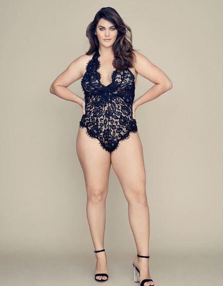 Victoria's Secret plus size model