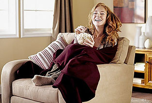 woman-eating-popcorn-wrapped-with-blanke