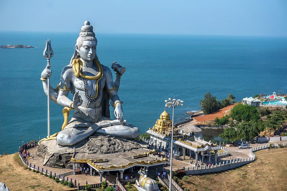 Lord Shiva Statue in Murudeshwar, Karnataka, India.jpg