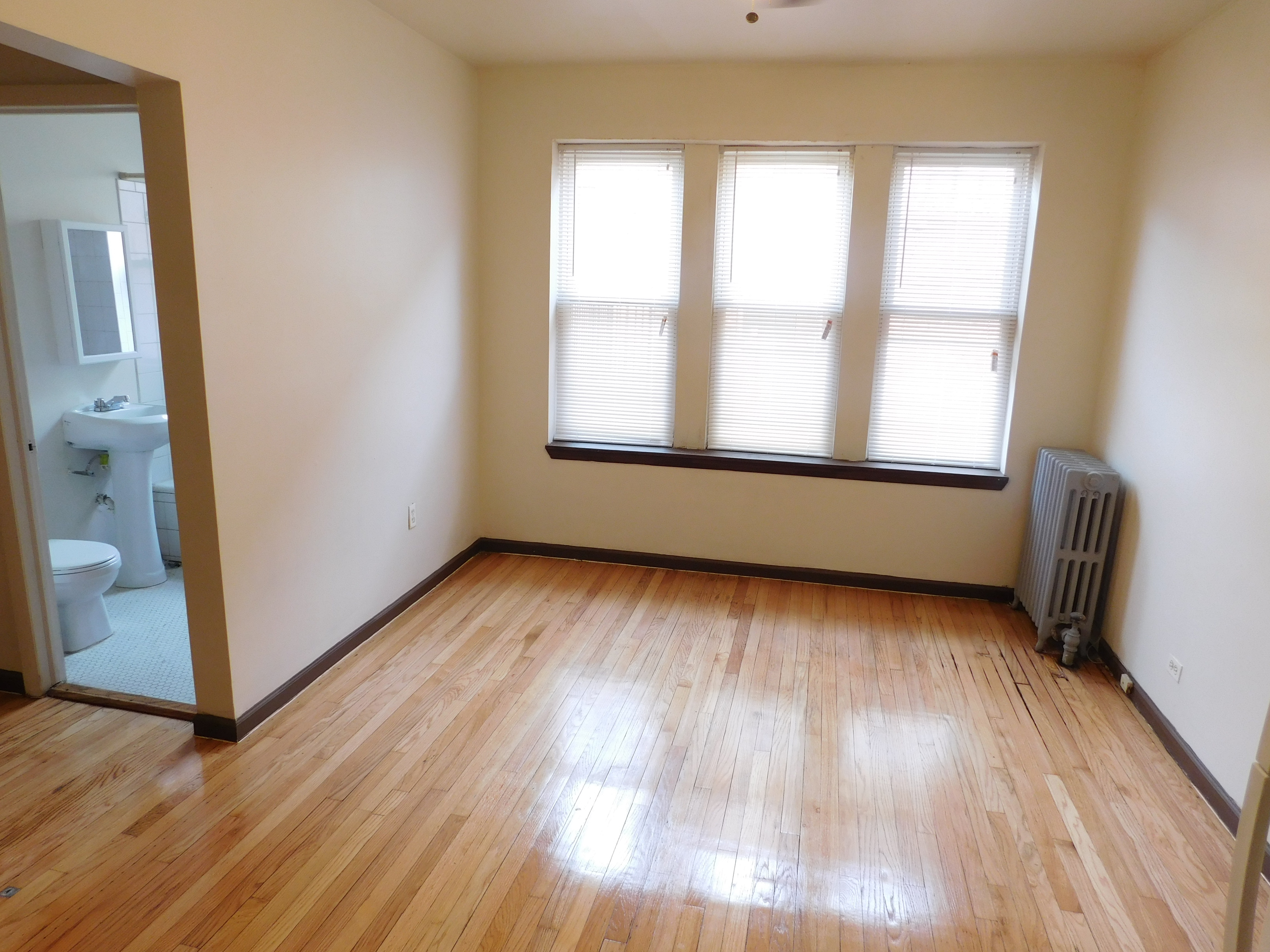 Studio apartment in Austin Chicago, 5412 W Ferdinand, Chicago IL 60644, Unit #23