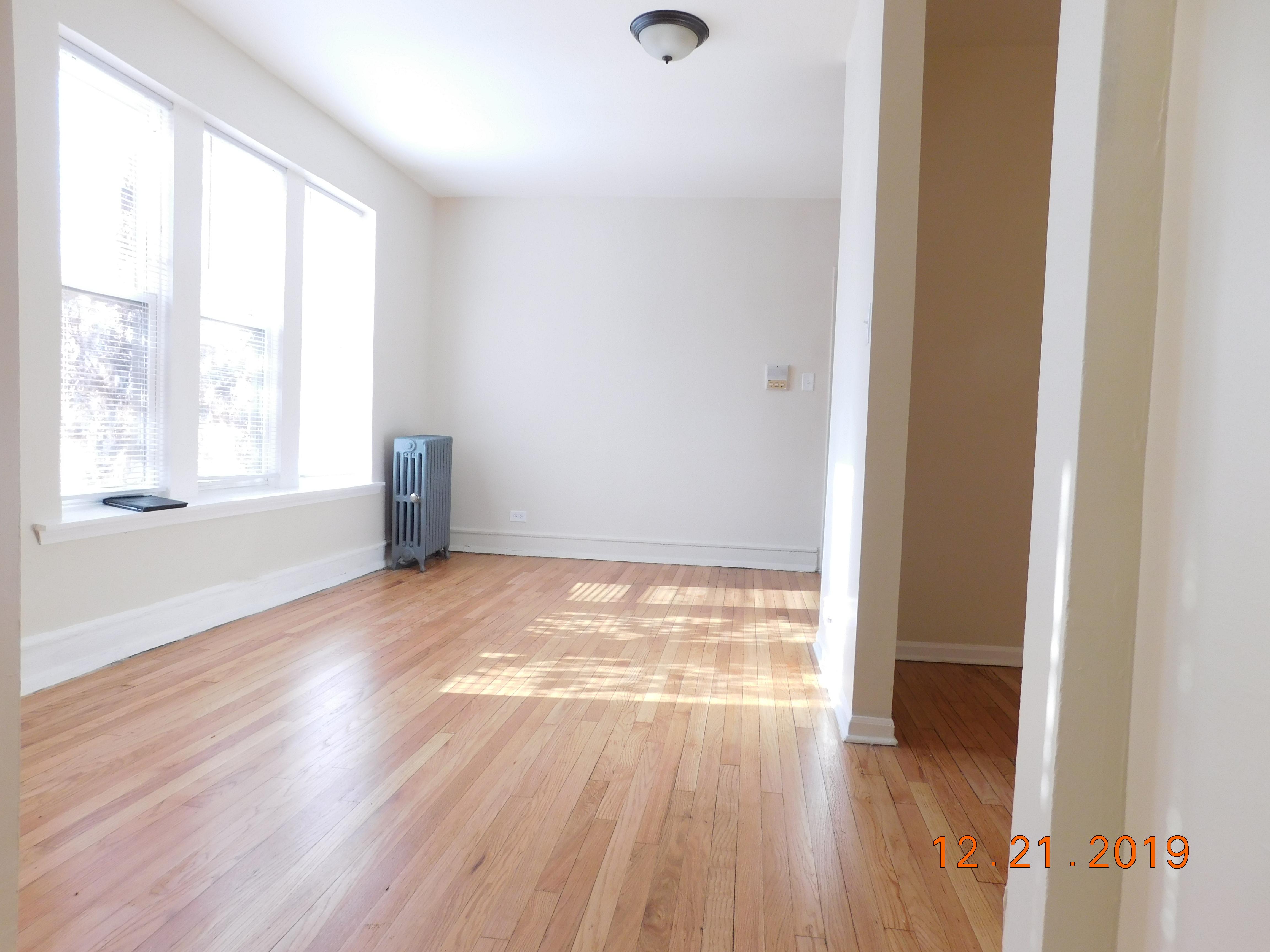 Studio Apartment in Austin Area Chicago IL | RENT RABBIT