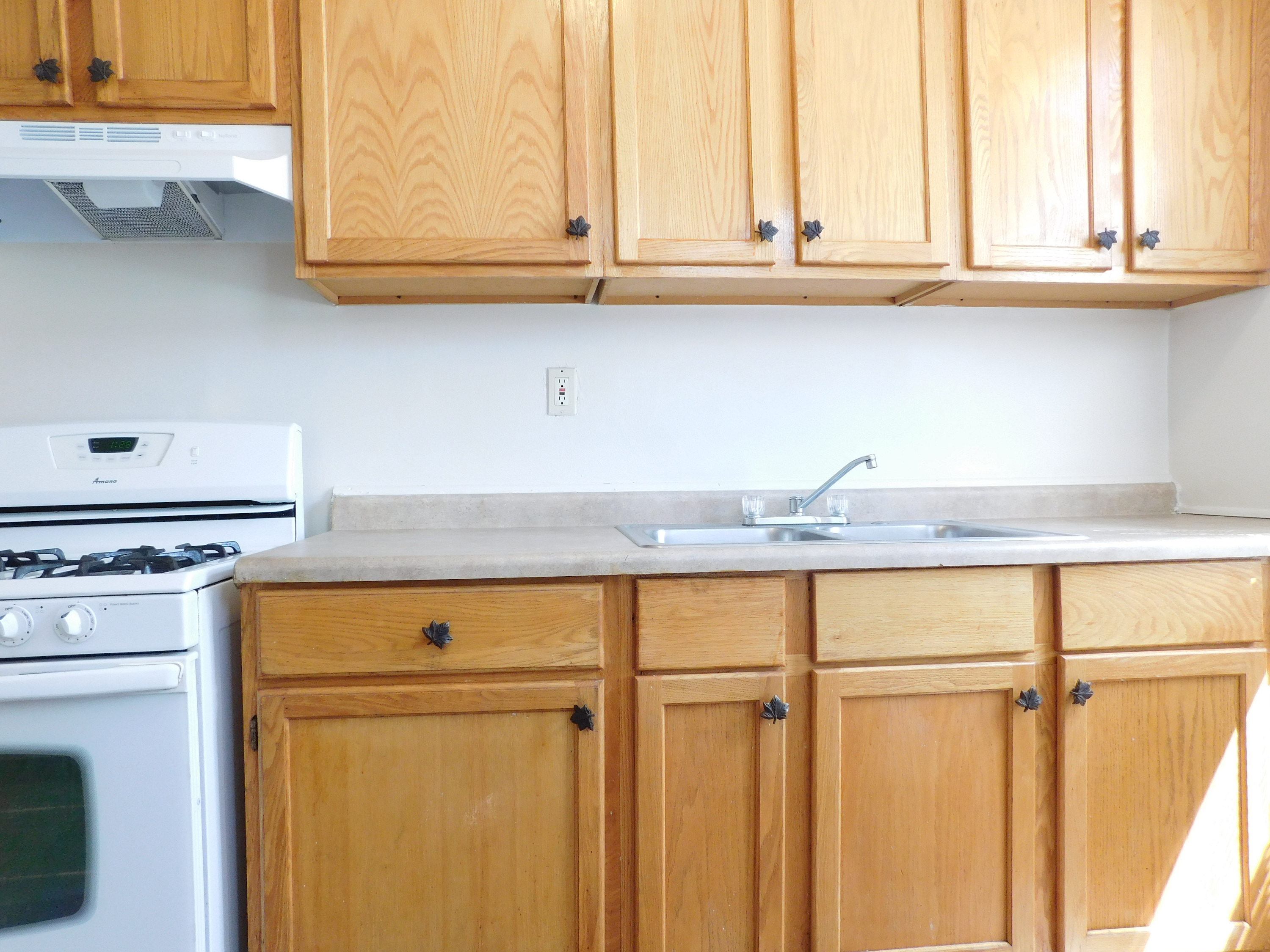 Austin Chicago 2 bedroom apartment at 5701 W Huron, Chicago, IL. 60644 - Kitchen