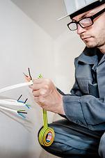 electrician-1080570.jpg