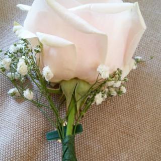 la-finestra-sui-fiori-matrimonio-360-bottoniera-4