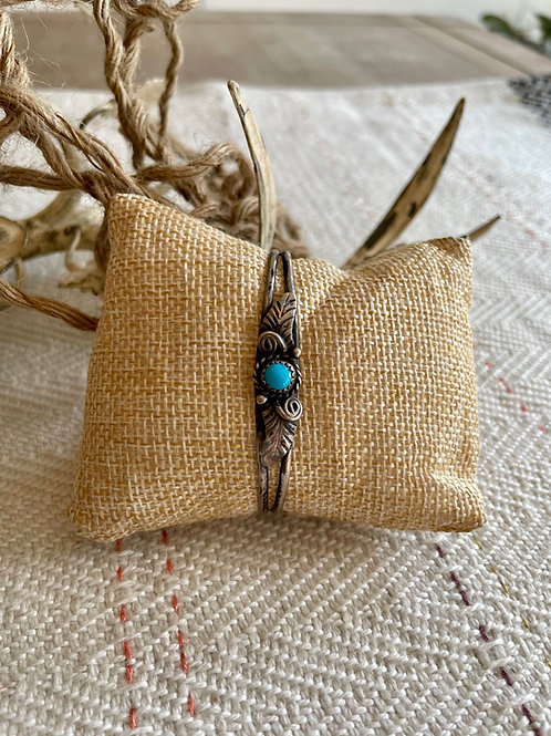 Delicate Split Shank Navajo Cuff