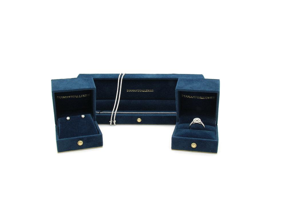 Bilder av box med smykke i 3.jpg