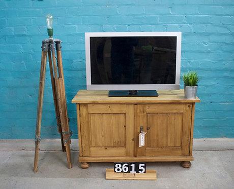 Waxed TV Unit 8615