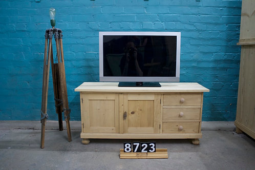 TV Unit 8723