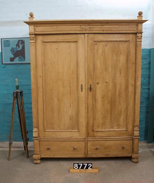 Waxed Wardrobe 8772