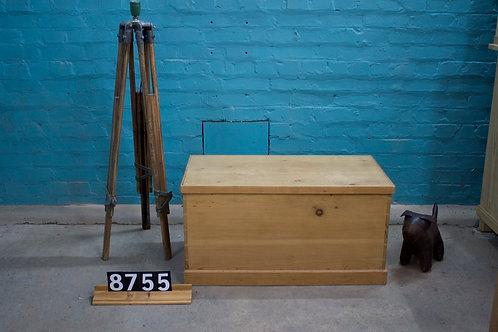 Waxed Box/Coffer 8755