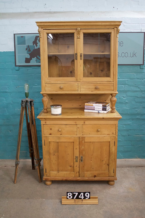 Waxed Dresser 8749