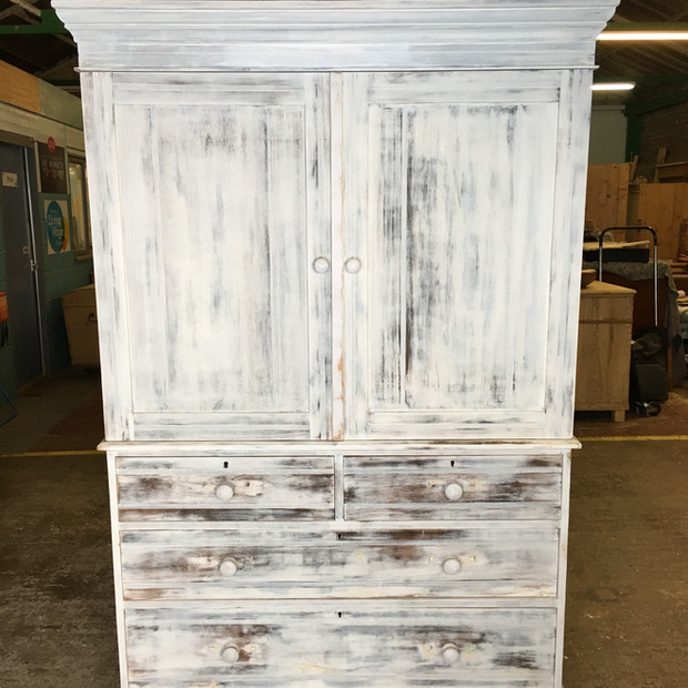 Linen press after undercoat/sanding for paint